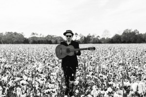 The Bluegrass Situation premieres 'Go Find Yourself Another Barroom' from Blake Rainey & His Demons