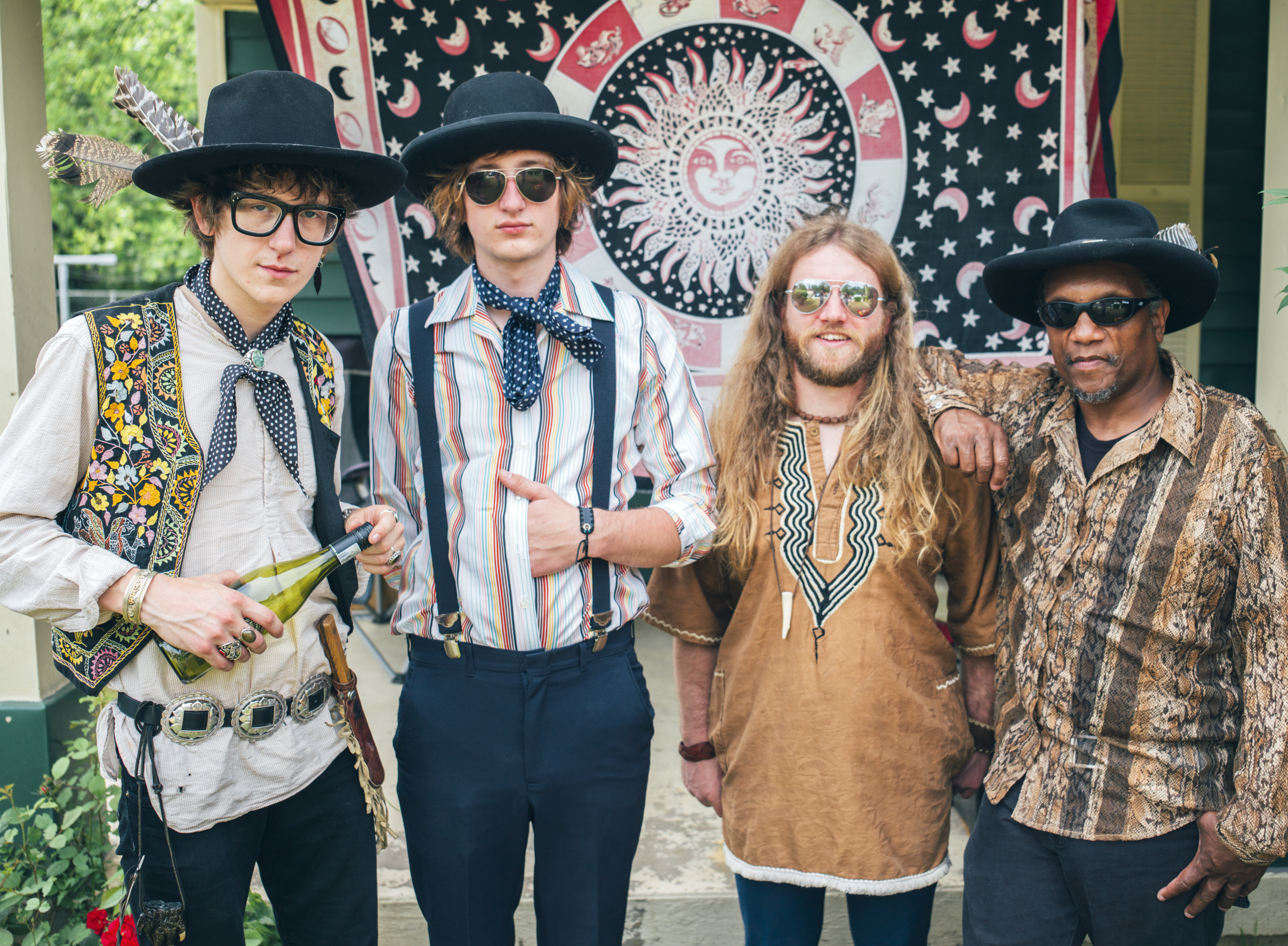 Blackfoot Gypsies Matthew Paige Zack Murphy - Drums Dylan Whitlow - Bass Vocals Ollie Dogg - Harmonica